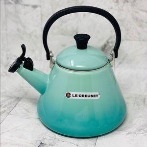 Le Creuset COOL MINT 1.7QT TEA KETTLE